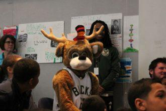 bucks-grant-schools-that-can-milwaukee_story1