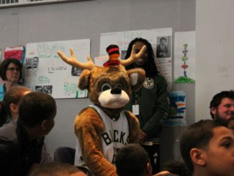 bucks-grant-schools-that-can-milwaukee_story1
